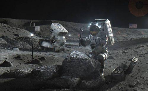NASA Picks SpaceX to Land Next Americans on Moon